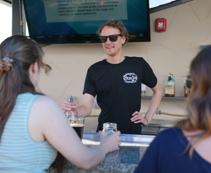 male-bartender-left-col